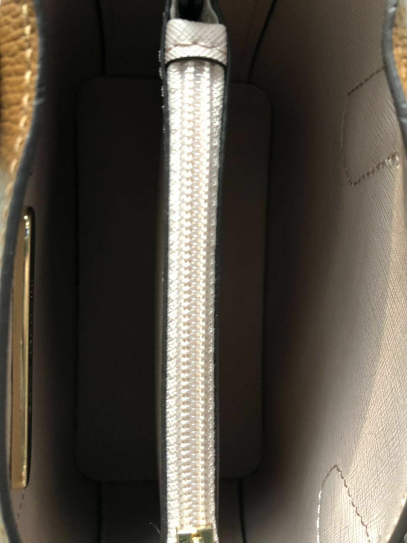 Michael medium Pebbled Leather Purse luggage