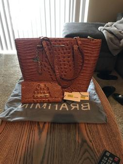 Matching Brahmin purse and wallet. Brown and real leather. N