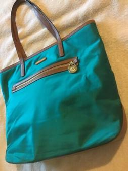 Michael Kors NEW Kelsey Nylon Top Zip Tote Handbag Purse $12