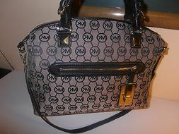MICHAEL KORS PURSE BLACK COLOR 100% AUTHENTIC GORGEOUS & CHE